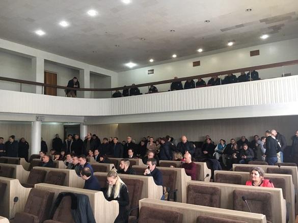 Не густо: на сесію Черкаської міськради прийшли 17 депутатів