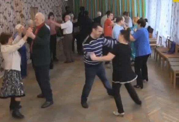Черкаські пенсіонери масово пішли на ретро дискотеки