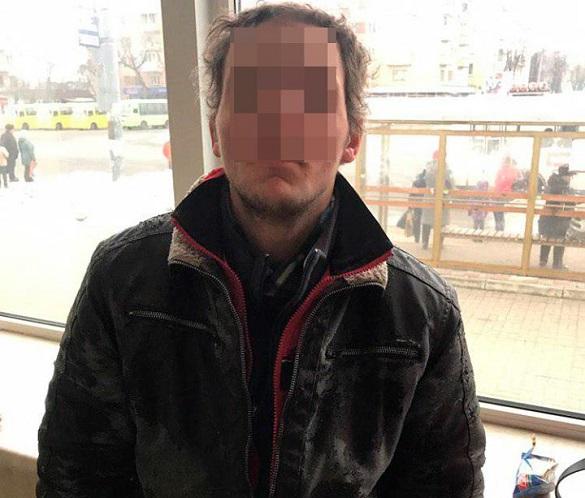 У Черкасах затримали чоловіка, якого розшукували за викрадення авто