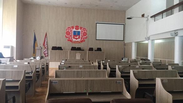 Черкаські депутати не порозумілися, а тому закрили сесію