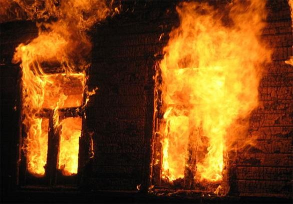 У Черкасах вогонь знищив будинок багатодітної сім'ї: потрібна допомога