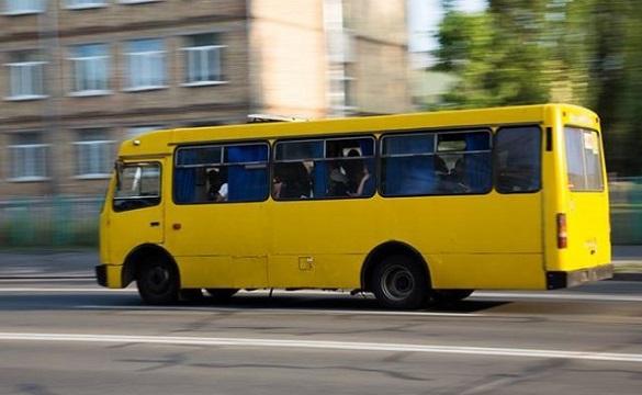 Щоб маршрутки їздили за графіком: черкаських перевізників хочуть штрафувати