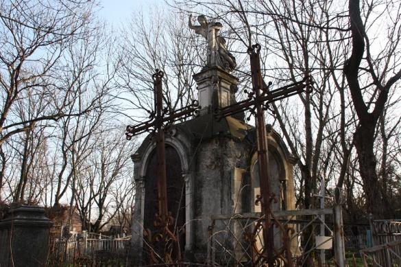Черкасцям розповіли цікаві факти про старі цвинтарі