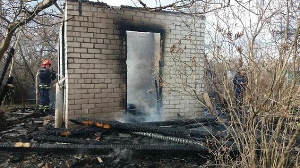 Невідомі у Черкасах підпалили житловий будинок (ФОТО)