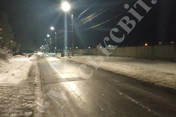Одну із черкаських вулиць обладнали новими світильниками