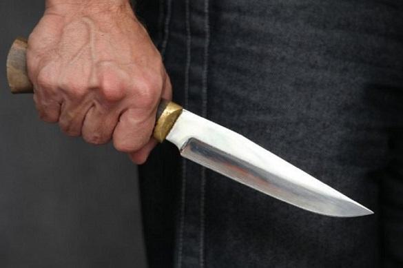 Правоохоронці затримали черкащанина, який кидався з ножем на жінку