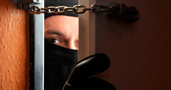 На Черкащині молодик відлупцював та пограбував пенсіонера
