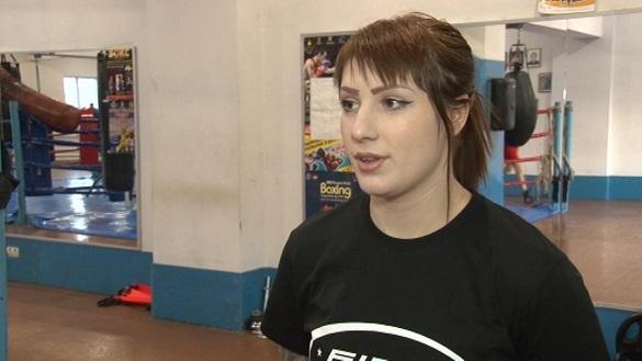 Черкаська боксерка перемогла у своєму першому професійному поєдинку в Німеччині (ВІДЕО)