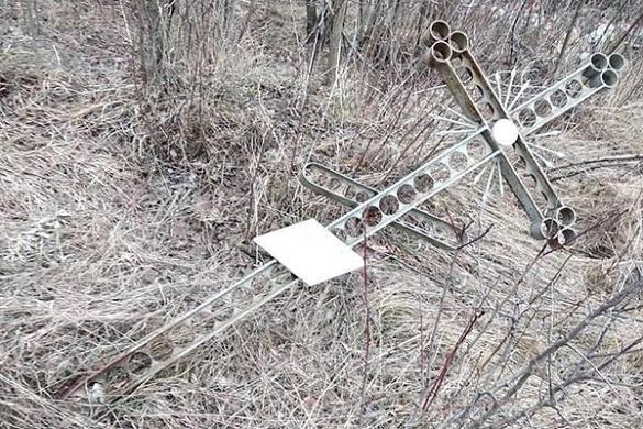 На Черкащині вандали нищать цвинтар (ФОТО)