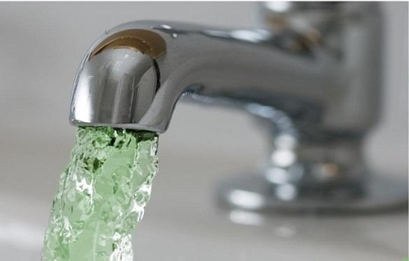 Вода з кранів черкащан може позеленішати