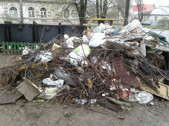 Черкаські комунальники ліквідували понад 40 стихійних сміттєзвалищ