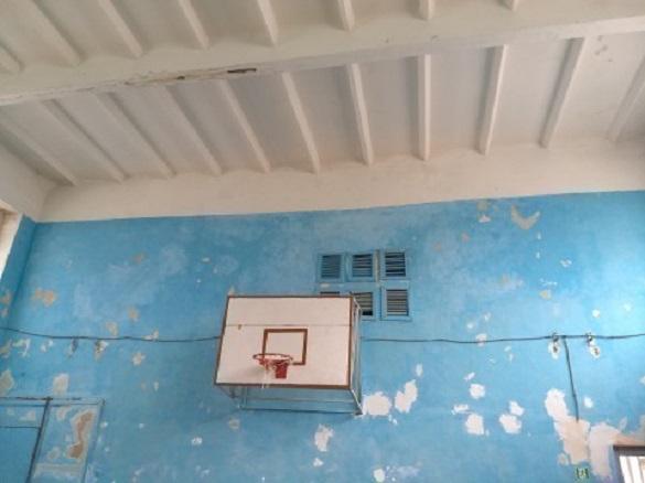 Черкасці просять відремонтувати занедбаний спортзал в одній зі шкіл