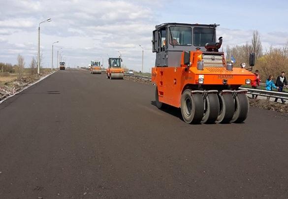 У Черкаській області продовжують ремонтувати дороги державного значення