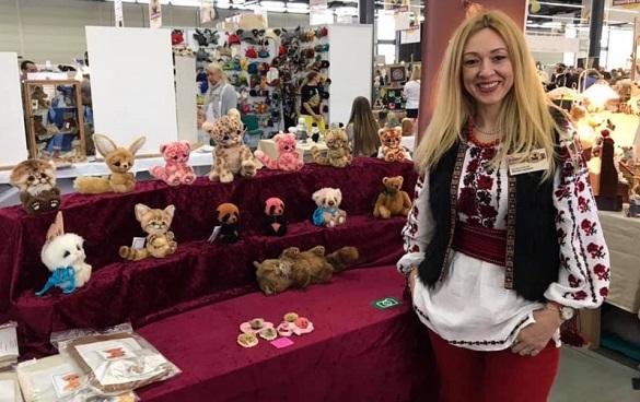 Черкащанка прославилася у Європі іграшками ручної роботи