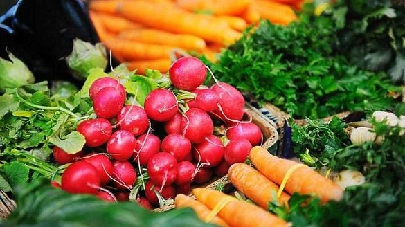 На черкаських ринках виявили перевищення вмісту нітратів в овочах (ВІДЕО)