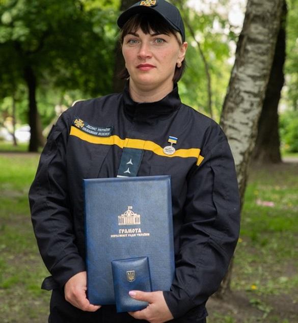 Міністр МВС Аваков нагородив рятувальницю з Черкащини