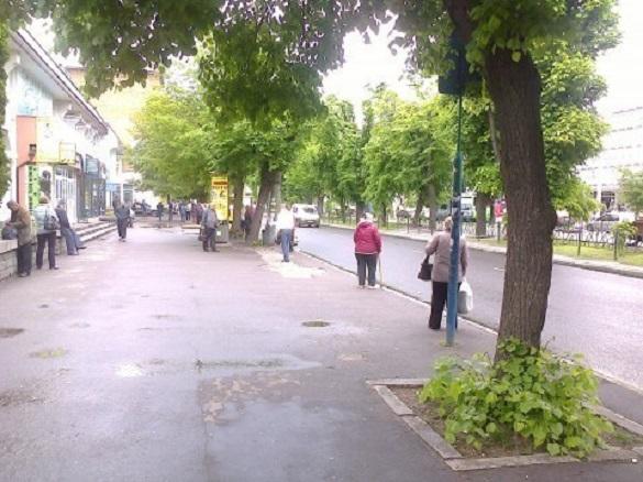 Жителі Черкас просять встановити зупинку у центрі міста