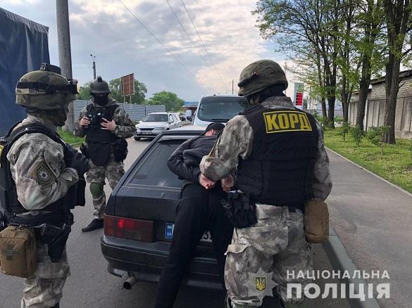 Водія зі зброєю затримали у Черкасах (ФОТО)