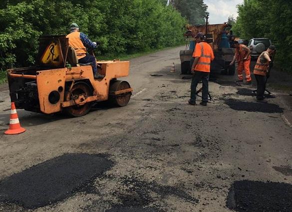 У Черкаській області триває ремонт автодоріг (ФОТО)