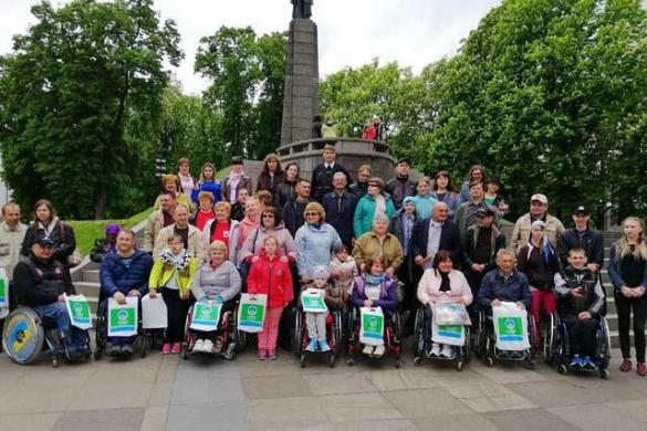 Учасники Всеукраїнського фестивалю людей з інвалідністю відвідали Тарасову гору