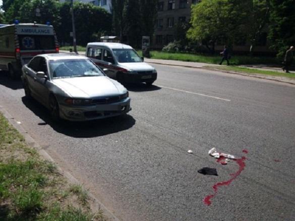 У Черкасах збили чоловіка, який перебігав дорогу