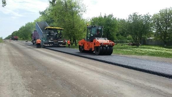 На Черкащині триває ремонт доріг державного значення