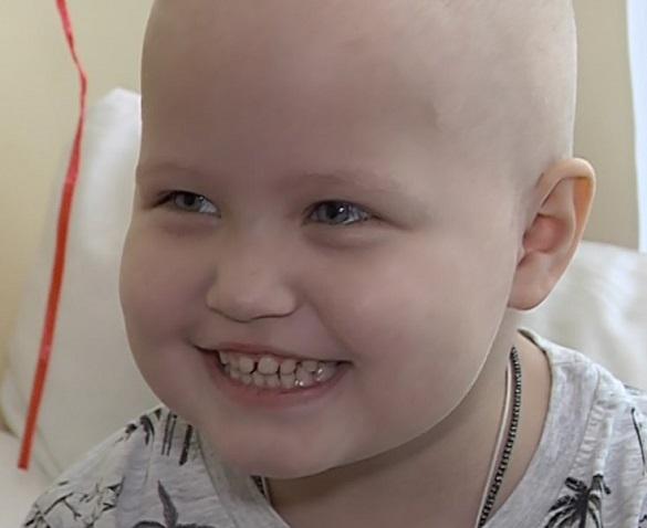 Надія для Надійки: маленька черкащанка потребує допомоги у боротьбі з раком крові