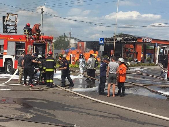 Під час пожежі на АЗС у Житомирі постраждали двоє черкащан