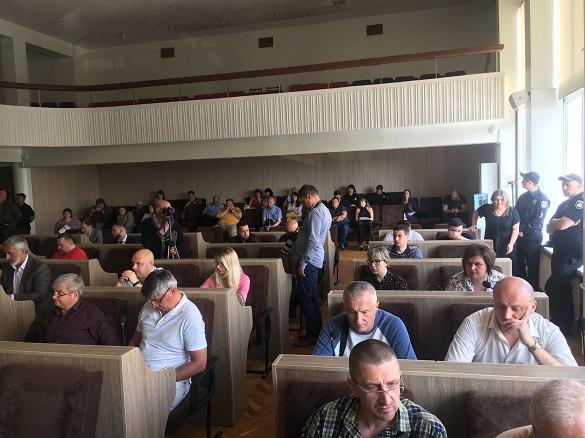 У Черкасах депутати не захотіли поновлювати роботу СУБів