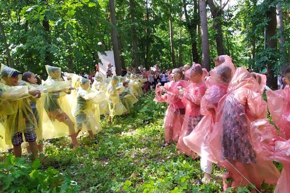У черкаському парку діти влаштували битву морозивом