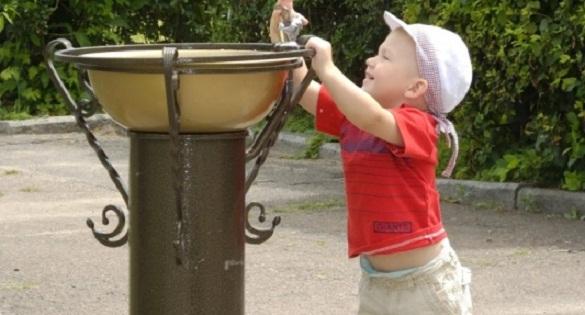 У Черкасах вандали продовжують руйнувати питні фонтанчики (ФОТО)