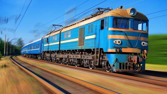 У святкові дні Черкащиною курсуватиме додатковий потяг