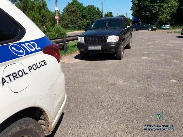 На Черкащині виявили два джипа з підробними документами