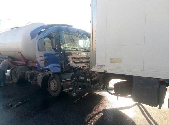 На Черкащині зіткнулися дві вантажівки (ФОТО)