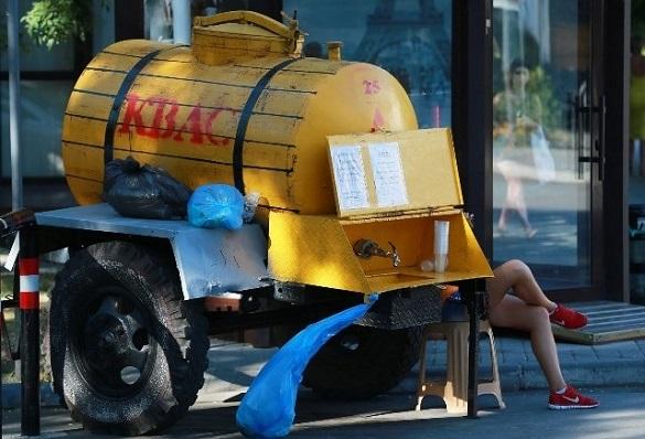 Черкаському підприємцю відмовили у торгівлі квасом біля ТРЦ