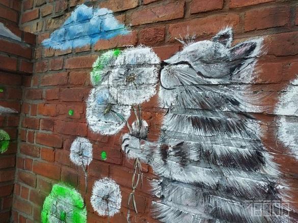 Слони – у квартирах, квіти – в кафе: черкаська художниця дарує стінам нове життя (ФОТО)
