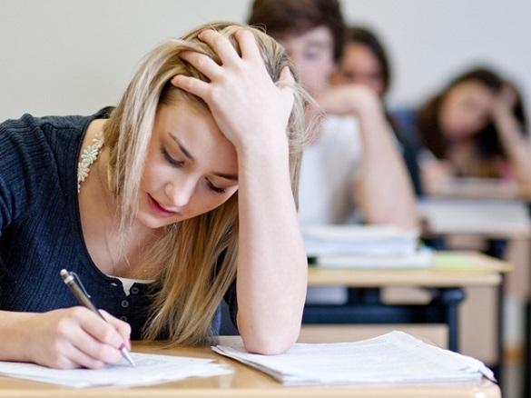 Кожен десятий випускник на Черкащині не отримав прохідний бал на ЗНО