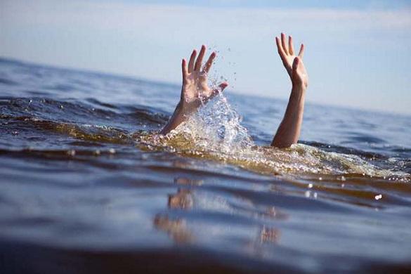 На Черкащині рятували чоловіка, який ледь не втонув у річці