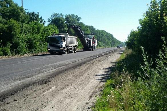 На Черкащині триває ремонт доріг державного значення (ФОТО)