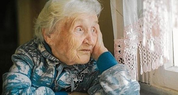 Черкаська пенсіонерка 10 років не виходить із квартири (ВІДЕО)