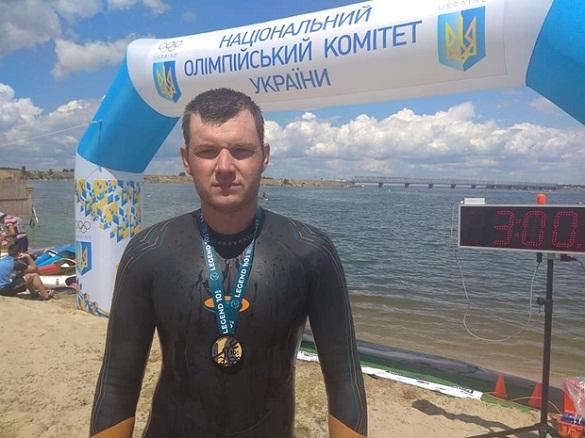 Черкаський рятувальник взяв участь у міжнародному запливу через Дніпро