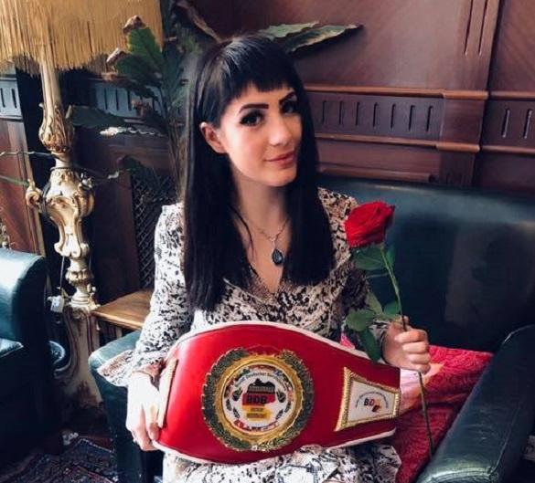 Перший професійний пояс: черкаська боксерка стала інтернаціональною чемпіонкою Німеччини