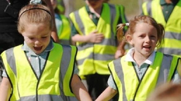 До уваги черкащан: із 1 вересня учні молодших класів носитимуть світловідбивні жилети