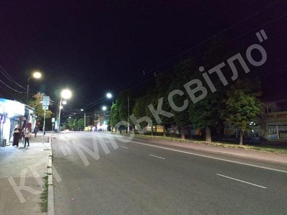 Одна з вулиць у Черкасах засяяла по-новому