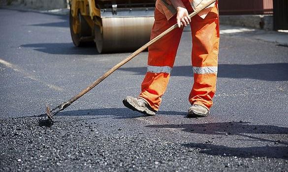 Жителі Черкас просять відремонтувати дорогу, вздовж якої розташовані навчальні заклади