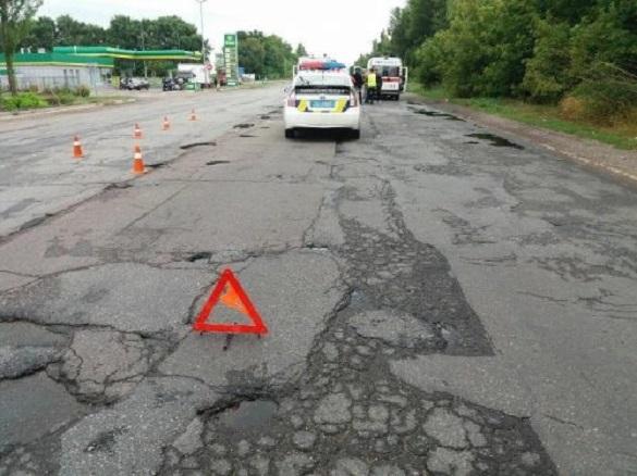 Нічиї ями: ділянка дороги на околиці Черкас, де розбилося подружжя байкерів, нікому не належить