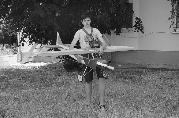 16-річний черкащанин створює унікальні радіокеровані літаки