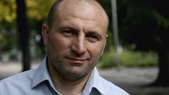 Бондаренко заявив, що не має стосунку до плитки, якою встеляють Черкаси