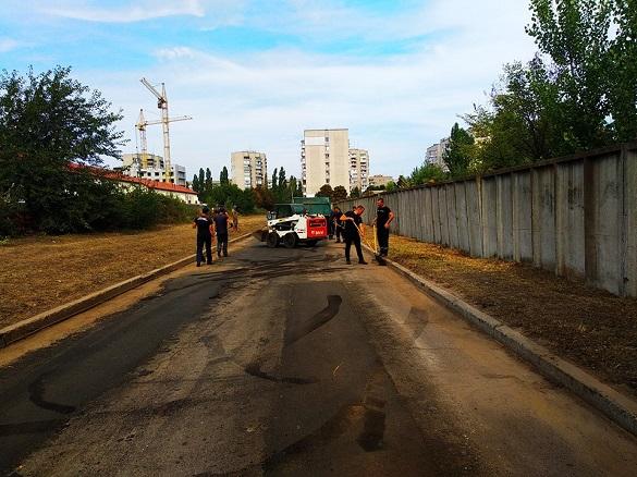 У Черкасах відремонтували дорогу, якою щодня проїжджають рятувальники (ФОТО)