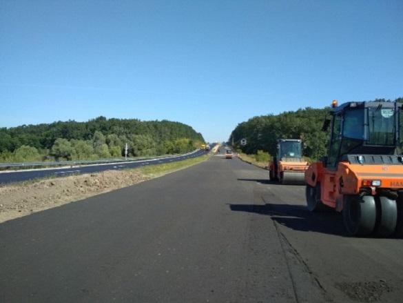 Триває ремонт автодороги міжнародного значення М-05 Київ-Одеса на Жашківщині